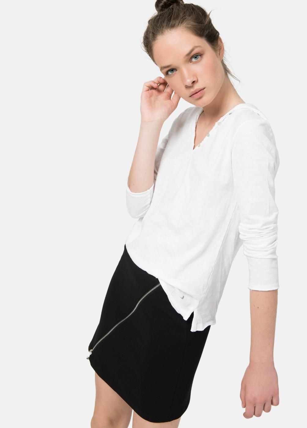 Camiseta básica manga larga capucha