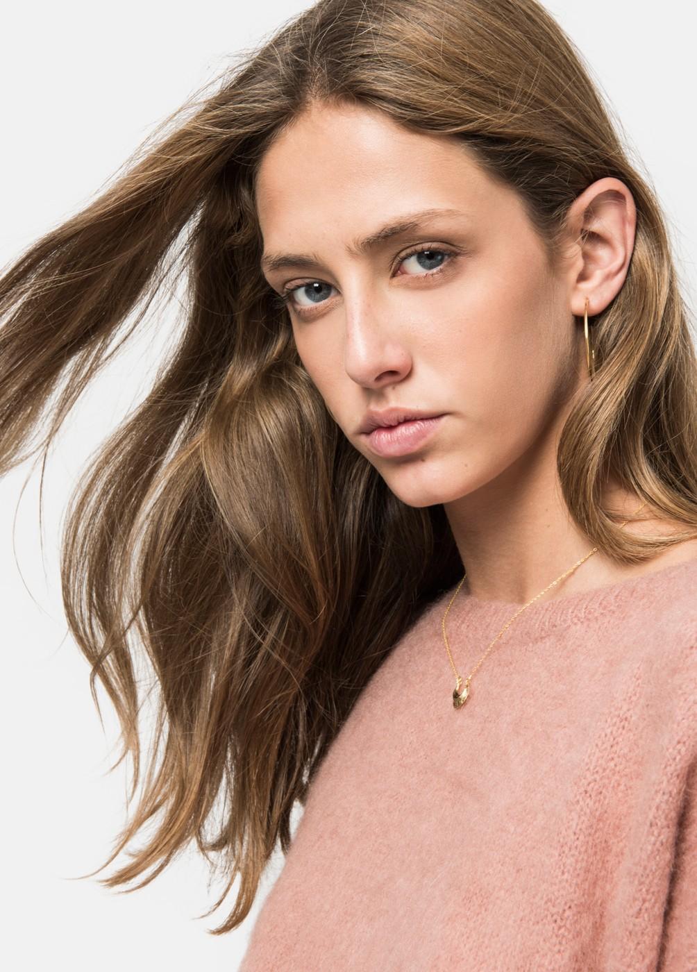 Middle aro earrings