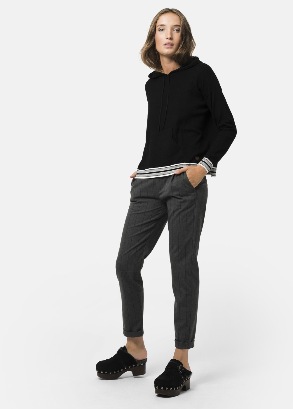 NOA HOODED SWEATER