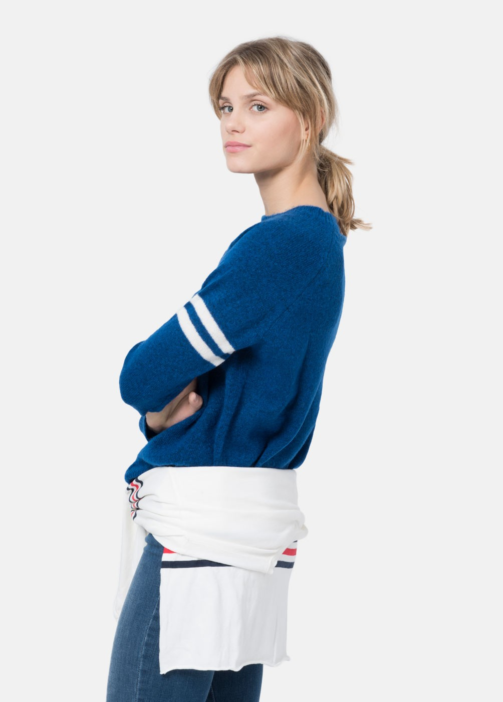 ATHLETIC SWEATER WITH STRIPED SLEEVES