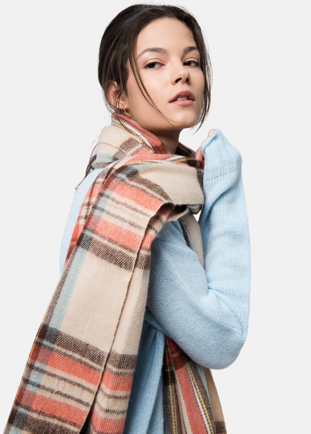 Budapest scarf