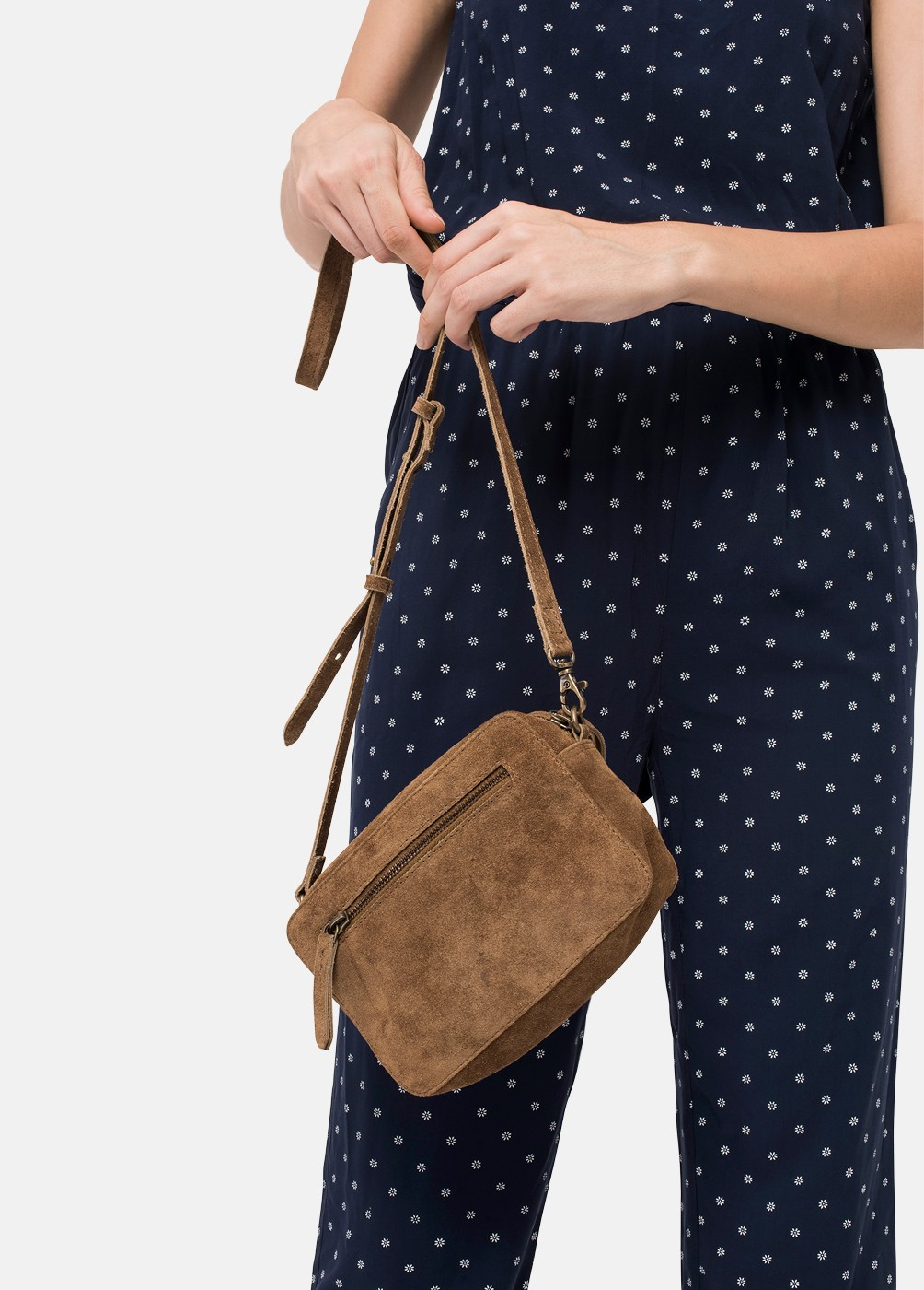 CAROL SQUARE BAG WITH ZIPPER