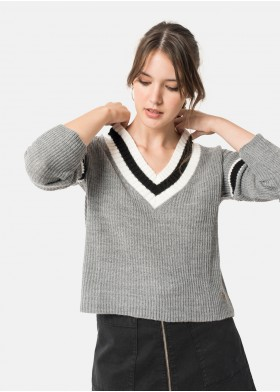 SOLE STRIPED V-NECK JUMPER