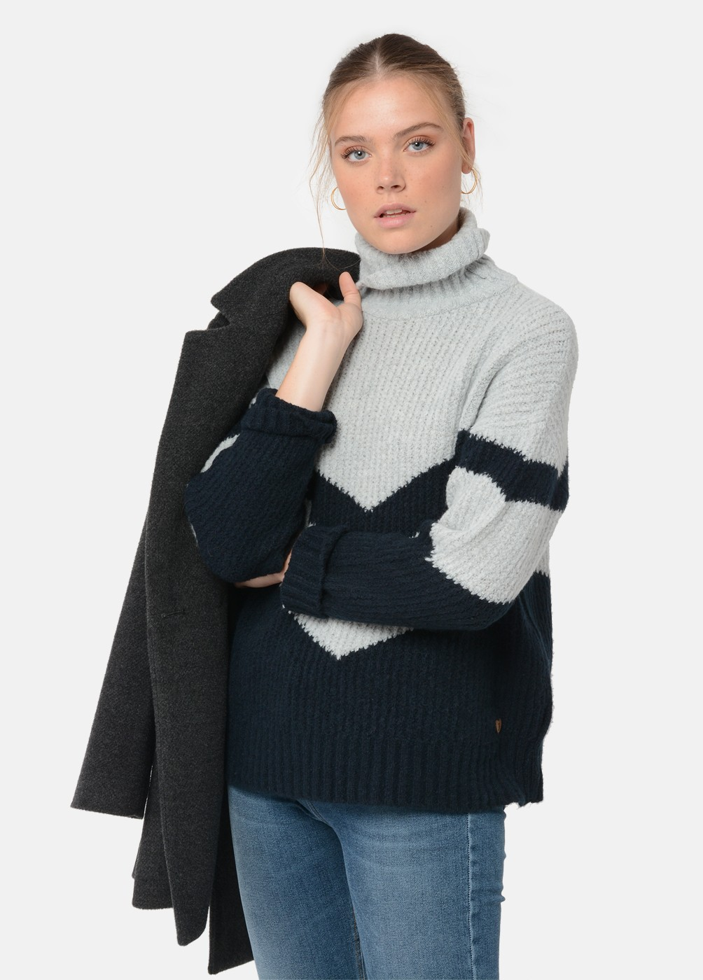 CATIA OVERSIZED V-NECK JUMPER