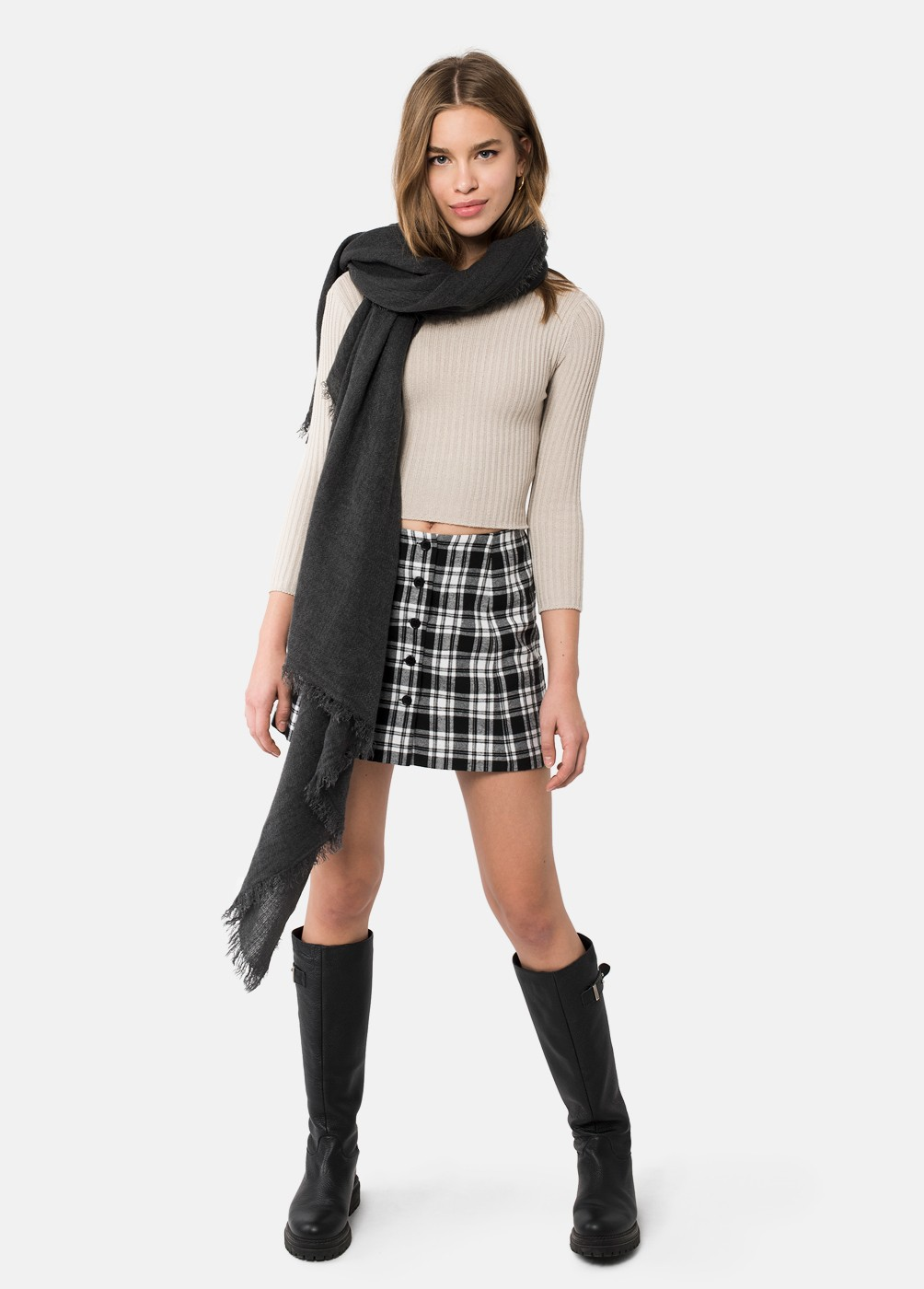 SCHOOL SKIRT WITH BUTTON DETAILS