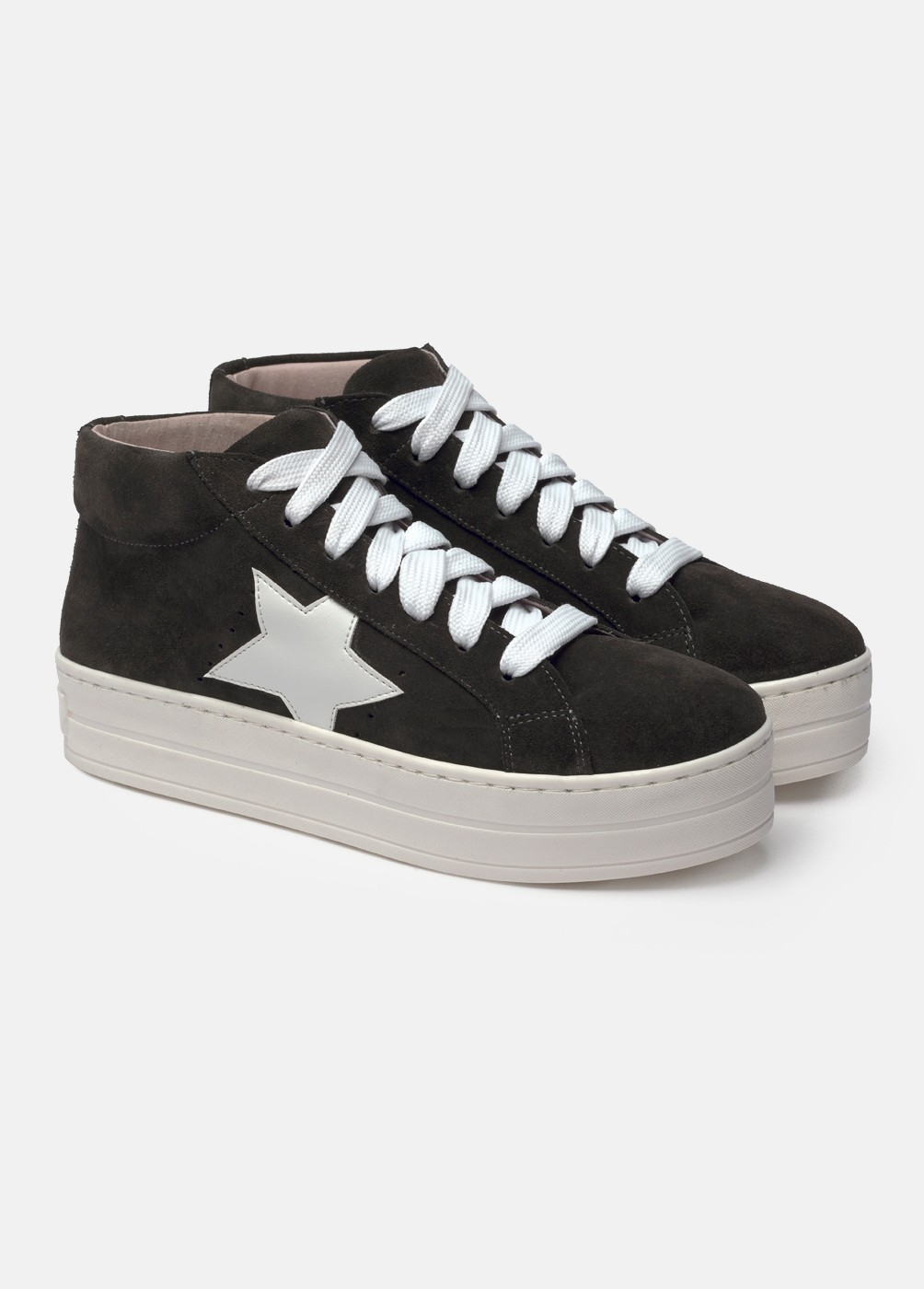 L26 Star Mid-Top Trainers